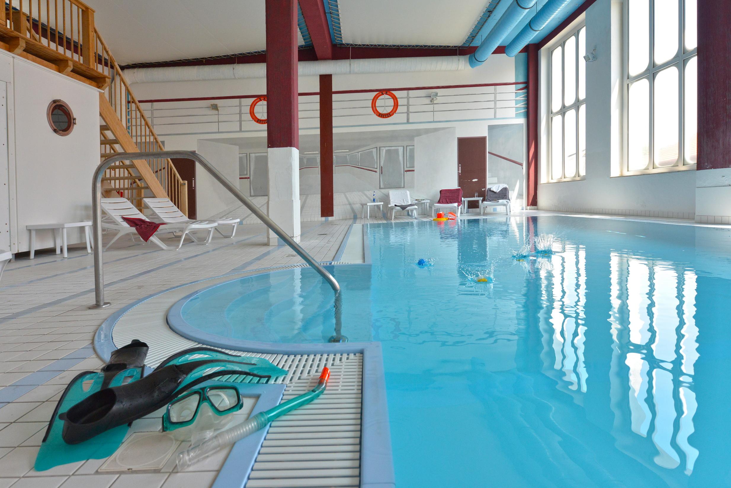 Hotel ferienwohnung auf r gen mit schwimmbad und sauna for Hotel munster mit schwimmbad